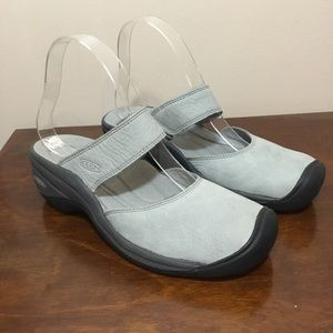 KEEN grey leather Mary Jane slide on sandals sz 7